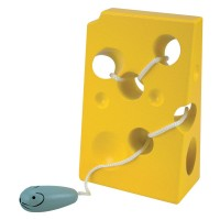 Woody Lacing cheese and mouse